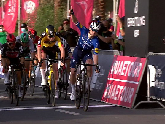 Sam Bennett vence sprint no UAE Tour