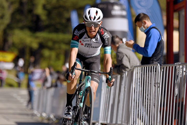 Aggressive Team BikeExchange rewarded with 3rd place for Esteban Chaves at  GP Gippingen – PelotonPost