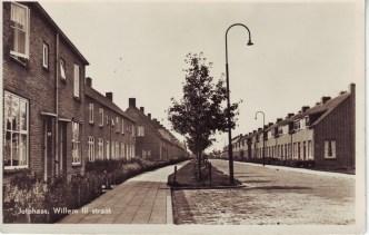 Jutphaas, Willem III straat. Later werd het de Julianastraat; met de eenwording van Jutphaas en Vreeswijk werd het Ten Baanstraat