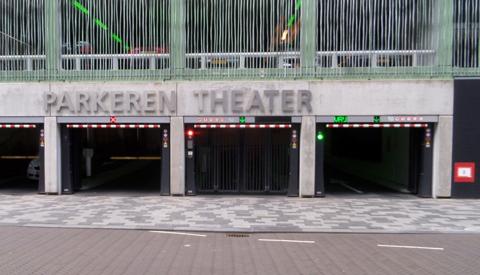Bovenste twee verdiepingen van parkeergarage Theater afgesloten