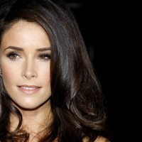 Abigail Spencer Masturbandose