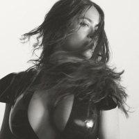 Salma Hayek Hot para LOVE Magazine
