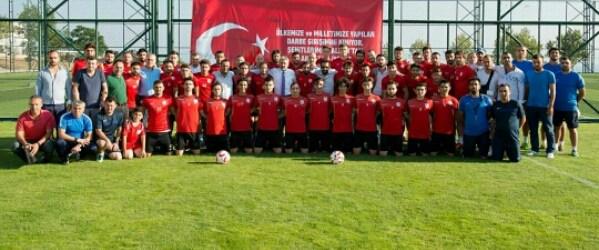 Pendikspor 15 Temmuz Darbe Girişimini Futbolcuları ile Birlikte Kınadı