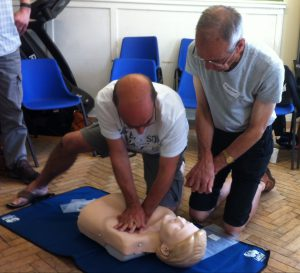 First aid course - resuscitating adult