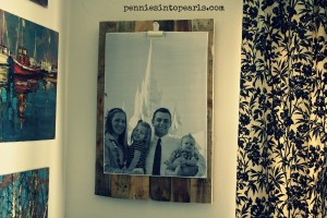 Priceless Pallet Wood Picture Holder - penniesintopearls.com - #pallet #palletproject #palletwood #frugalprojects #frugal