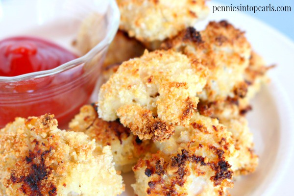 Crispy Homemade Chicken Nuggets - penniesintopearls.com - Easy to make and perfect to freeze homemade chicken nuggets. Perfect recipe for a quick lunch or quick dinner.