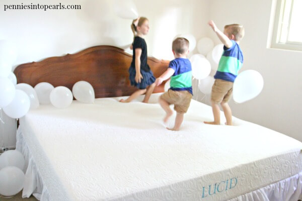 This family has found the best mattress of 2017 that happens to be one of the cheapest mattress options and it's delivered to your front door! The family needed to find the best mattress for back pain but on a small budget. Plus she shares tips on how to choose a mattress for anyone in the family.