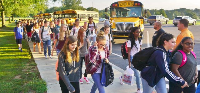 Manor MS students arrive for Day One.