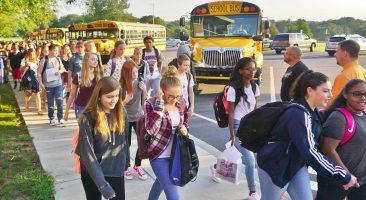 Kids arriving at school