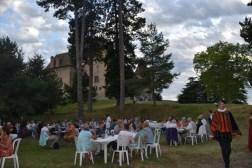 Repas au pied du Château