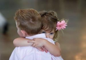 boy-children-couple-cute-flower-Favim.com-316165_large-400x282