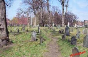 central-burying-ground-main-walkway