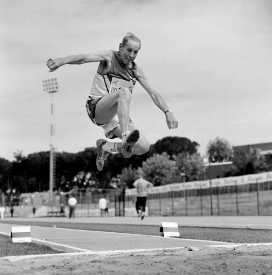 atletika skok u dalj pesak daljina zalet