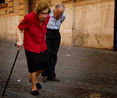 Promene hoda u starosti