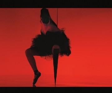 Viktorija Modesta – bionička pop-zvezda (video)