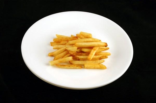 pomfrit - 73 grama = 200 kalorija