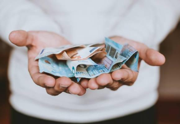 Poklon za penzionere – 110 evra mimo penzija