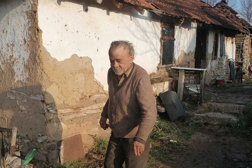 Vukoman, invalid koji živi u neljudskim uslovima
