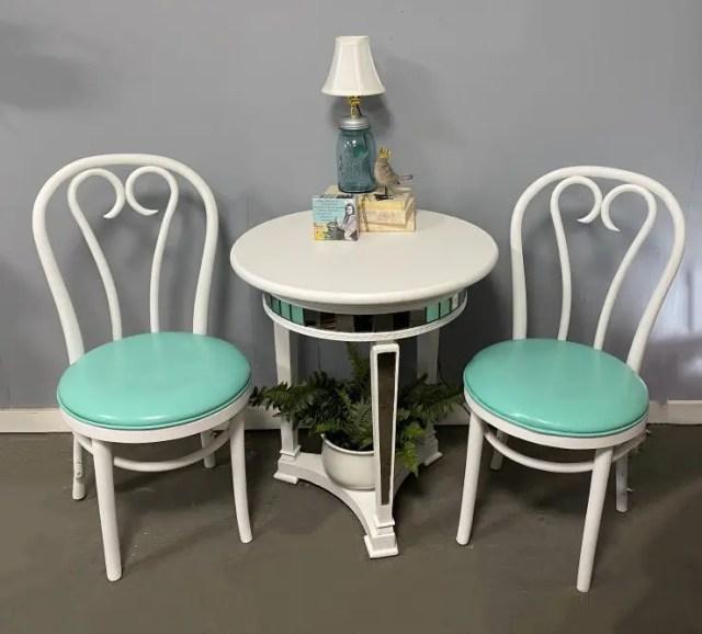 Painting Vinyl Furniture