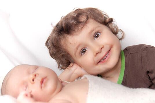 Kinderfotos und Babyfotografie - unvergesslich und kreativ - People-Pictures dein Fotostudio in Freising und München für außergewöhnliche Familienfotos Babyfotos und Kinderbilder