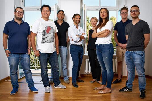 Teamfoto, Mitarbeiterporträt, professionelle Firmenfotos von People-Pictures. Deinem Fotostudio in Freising und München