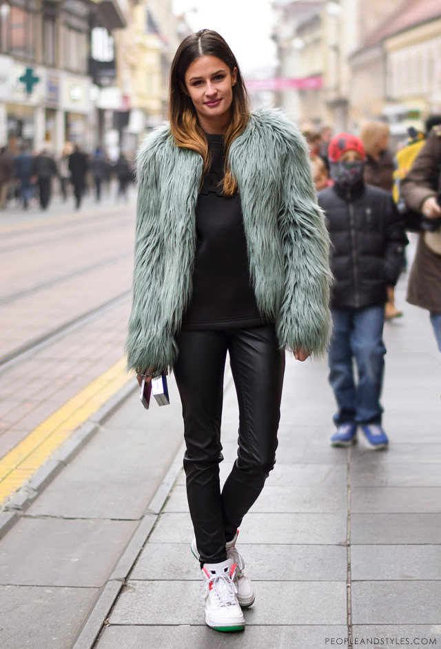 How to Wear Sport-lux Outfit with a Faux Fur Jacket