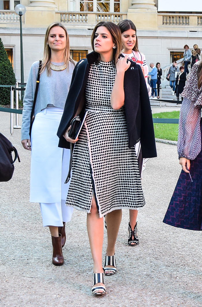 How to wear elegant ladylike midi dress, street style outfit from Paris Fashion Week SS'16 at Chloé Prêt-à-porter by People & Styles
