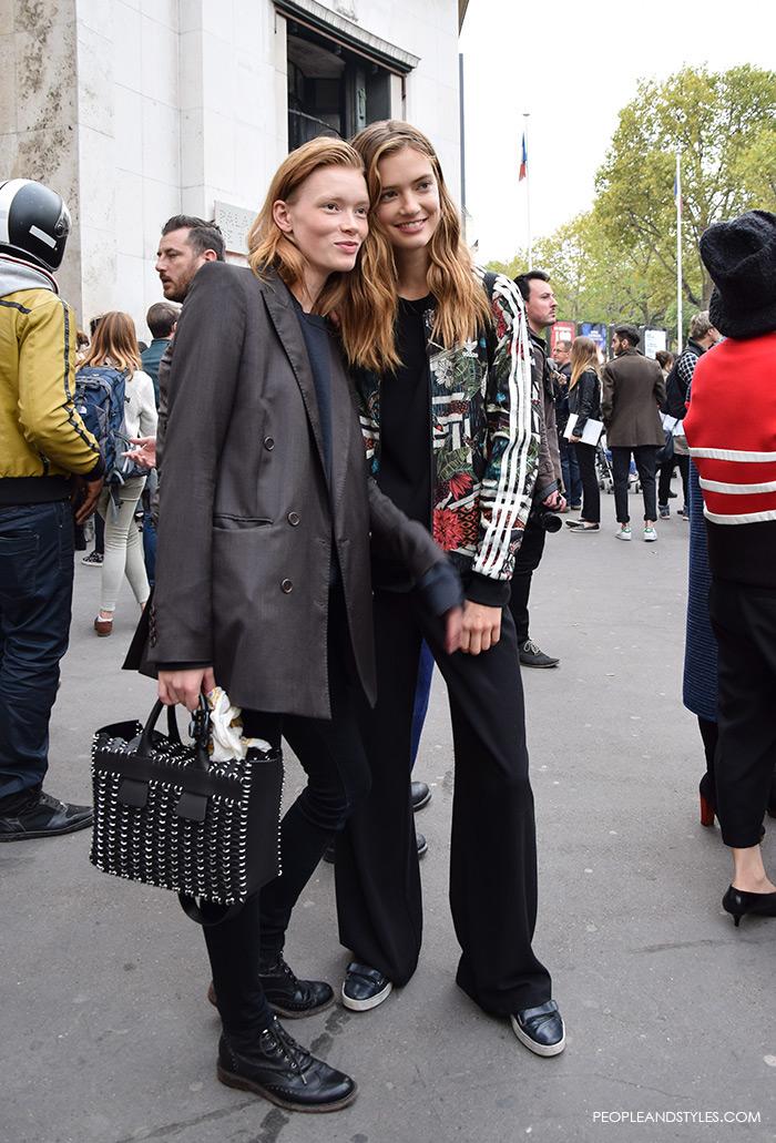 Model Julia Hafstrom How to wear oversized blazer Adidas hoodie, models look off duty, street style, fashion week, new trends