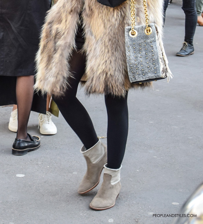 How to wear fur coat, leggings and ankle boots, best street style outfit Paris