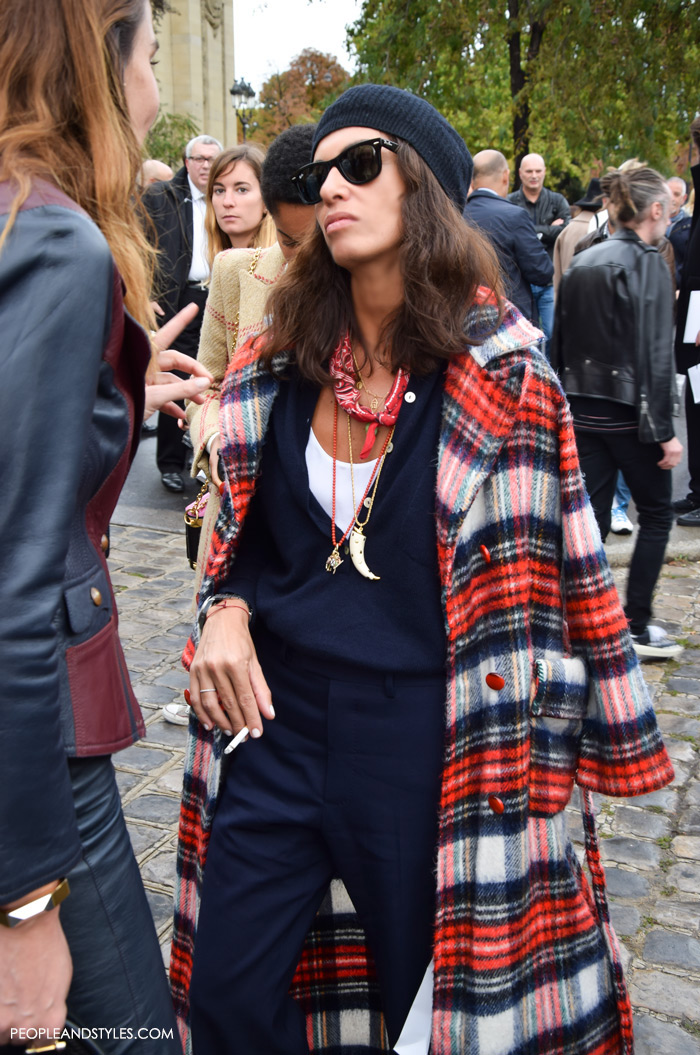 How to wear red bandanas, street style outfit inspirations, viviana volpicella instagram pinterest