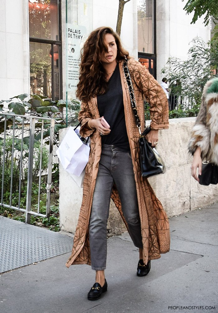 Fashion: how to wear Gucci loafers, longer kimono, grey jeans, best street style outfits
