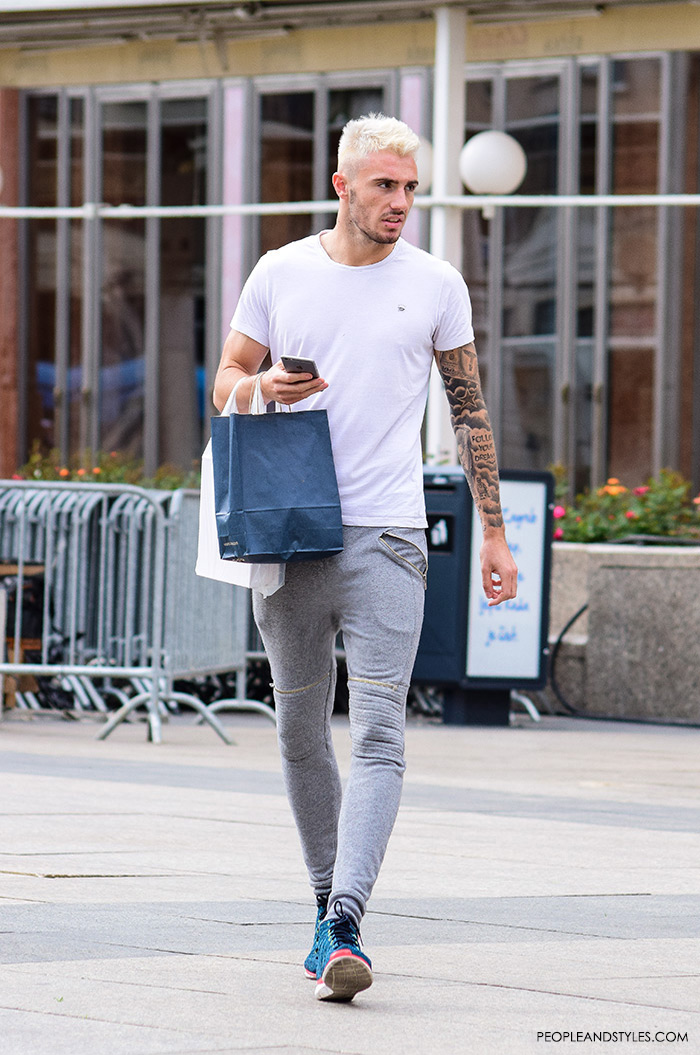 mens styling how to wear grey skinny joggers and sneakers, guys sporty outfit, men outfit ideas casual