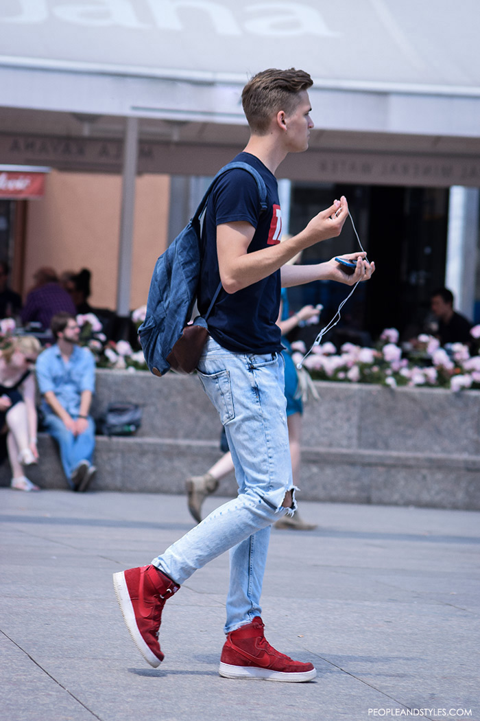 Distressed jeans and red Nike sneakers, how to look good with sneakers for men, Men's styling tips for how to wear sneakers, fashion wearing styles for boys and mens in sneakers, cool male outfit photos, street styles trending outfits 2016 for mens, street style summer pinterest