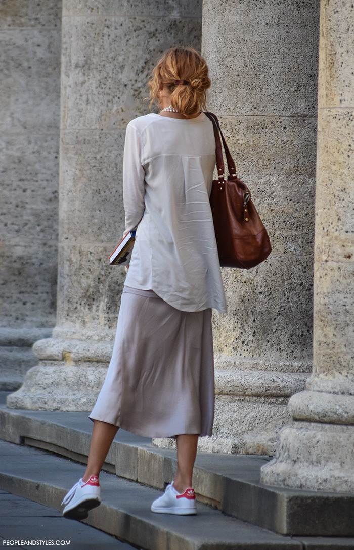 White sneakers adidas midi skirt cool combo street style outfit inspiration Pinterest