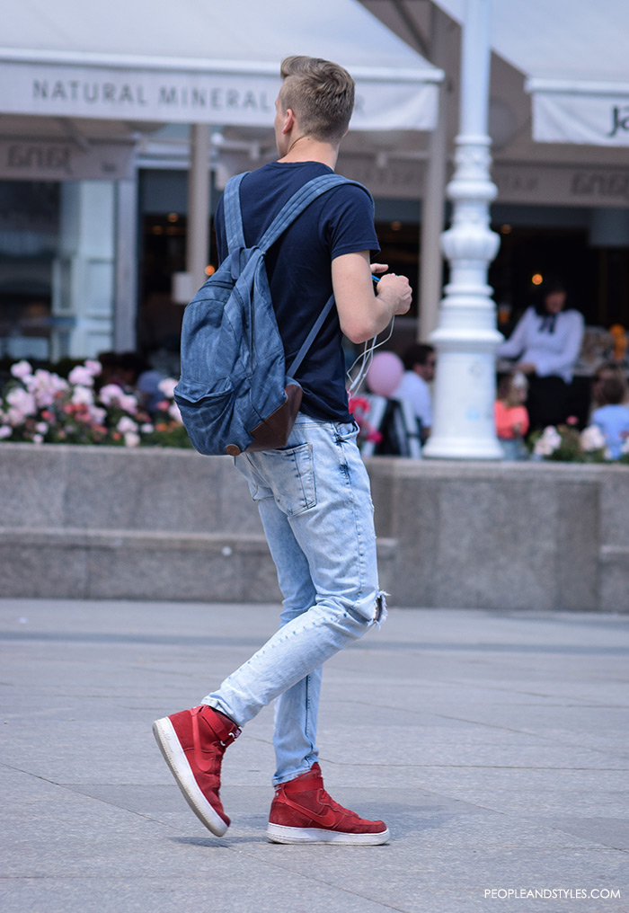 best men casual fashion wear, urban street fashion men, man's fashion street style summer outfit, how to wear skinny jeans and red Nike snekaers, handsome man