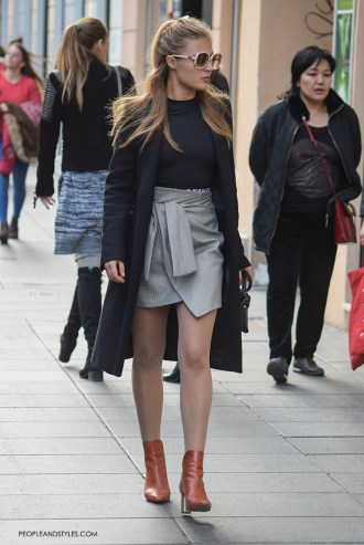 Fall Look: How to Wear a Mini Skirt and Ankle Boots