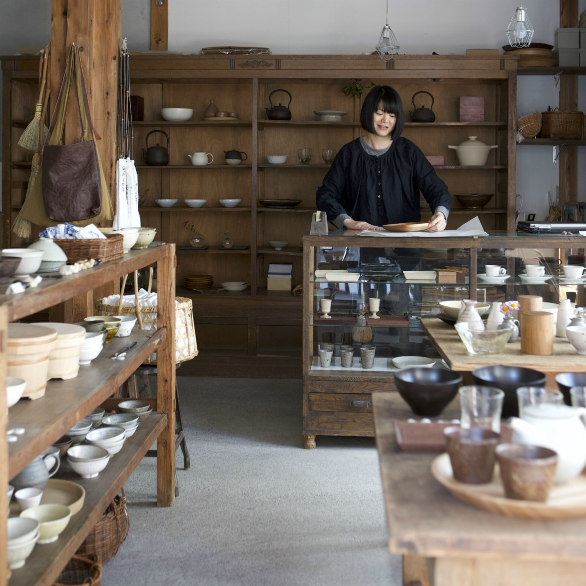 Slow-life kitchenware inspired by wisdom of rural craftsmen