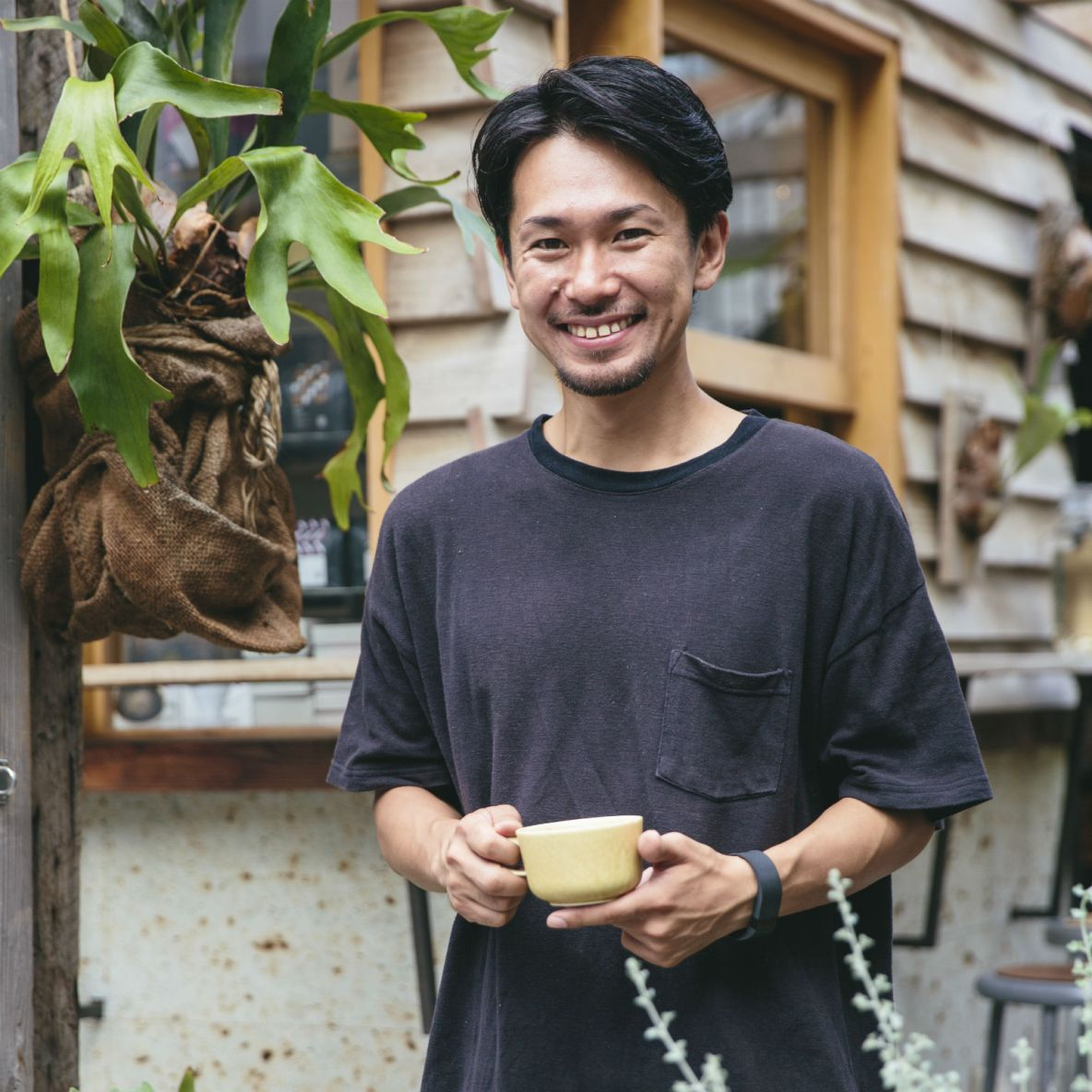 Community-centric coffee shop that values sustainability