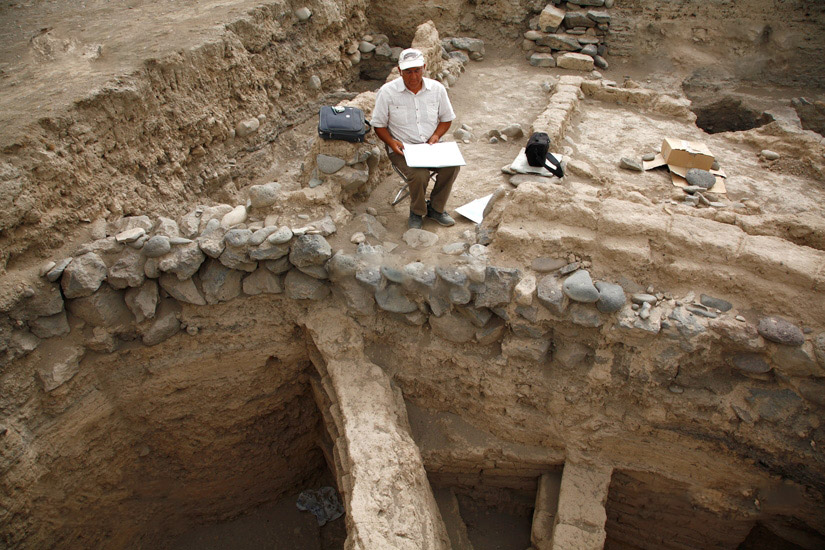 Excavation at Shengavit Bronze Age burial sight in Armenia