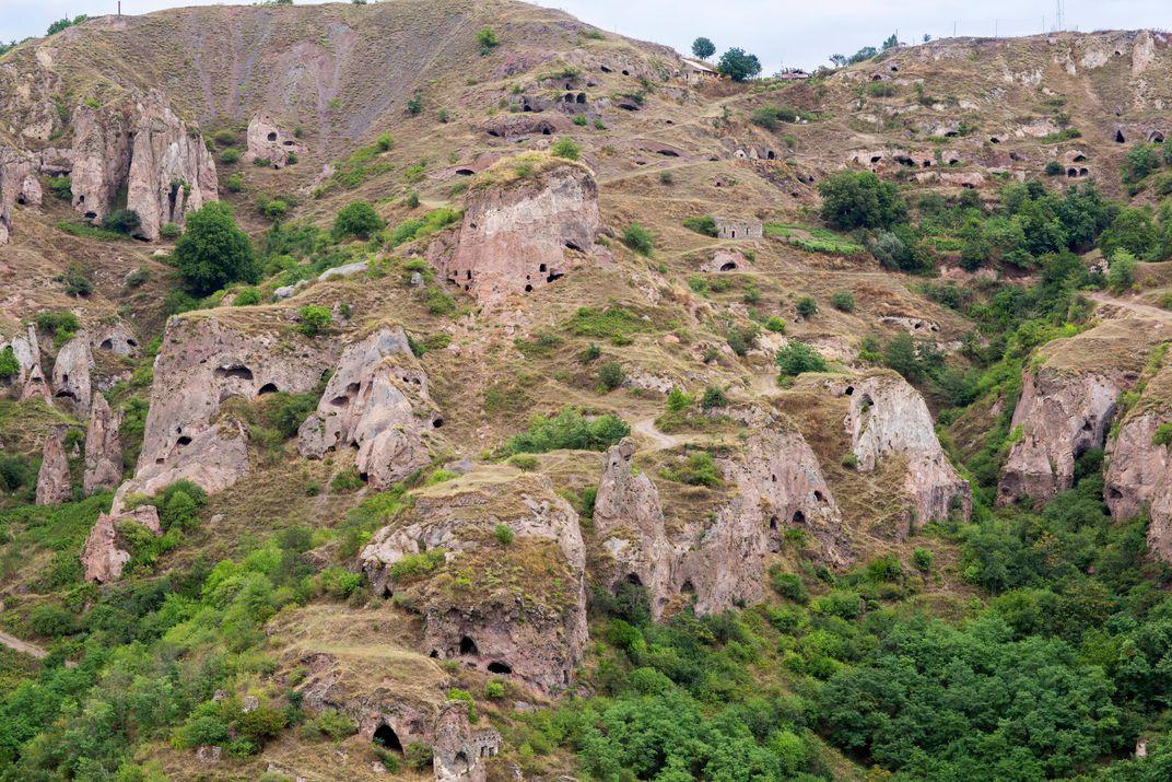 Khndzoresk cave complex
