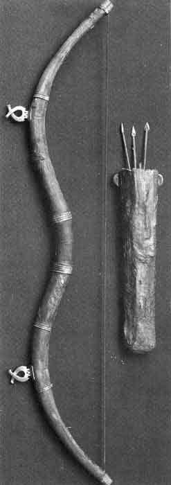Bronza age Bow and Quiver form Shirakavan Armenia, 14-12 c. B.C