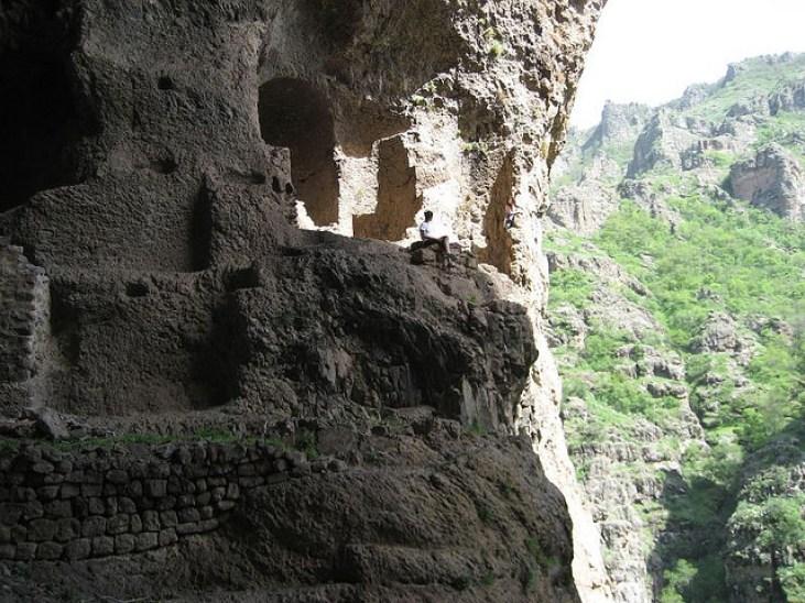 Khosrov Armenia, inhabited lron ago caverns