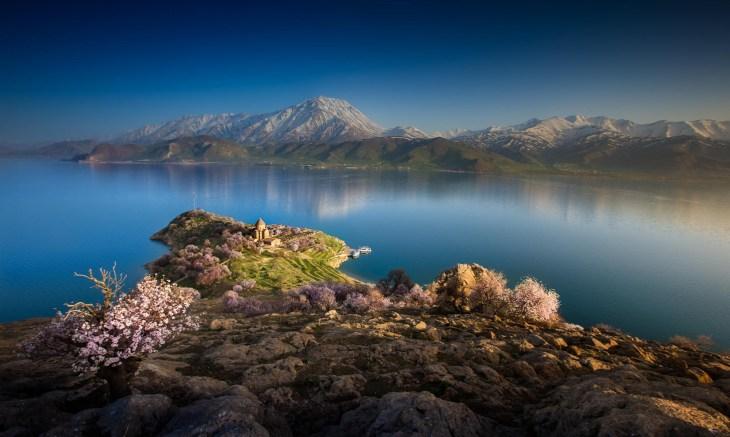 Lake Van Artemita