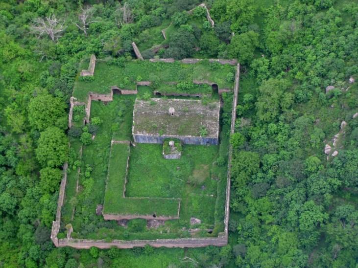 Tatevi Anapat - 17th c. Armenian monastery