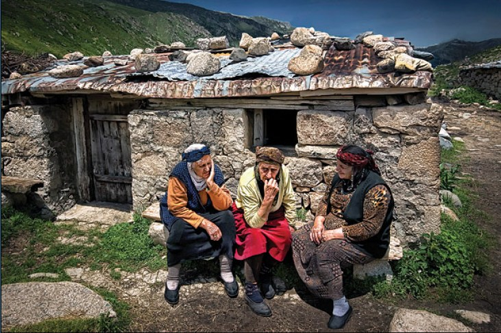 Three sisters in the Hemshin village of Kavron