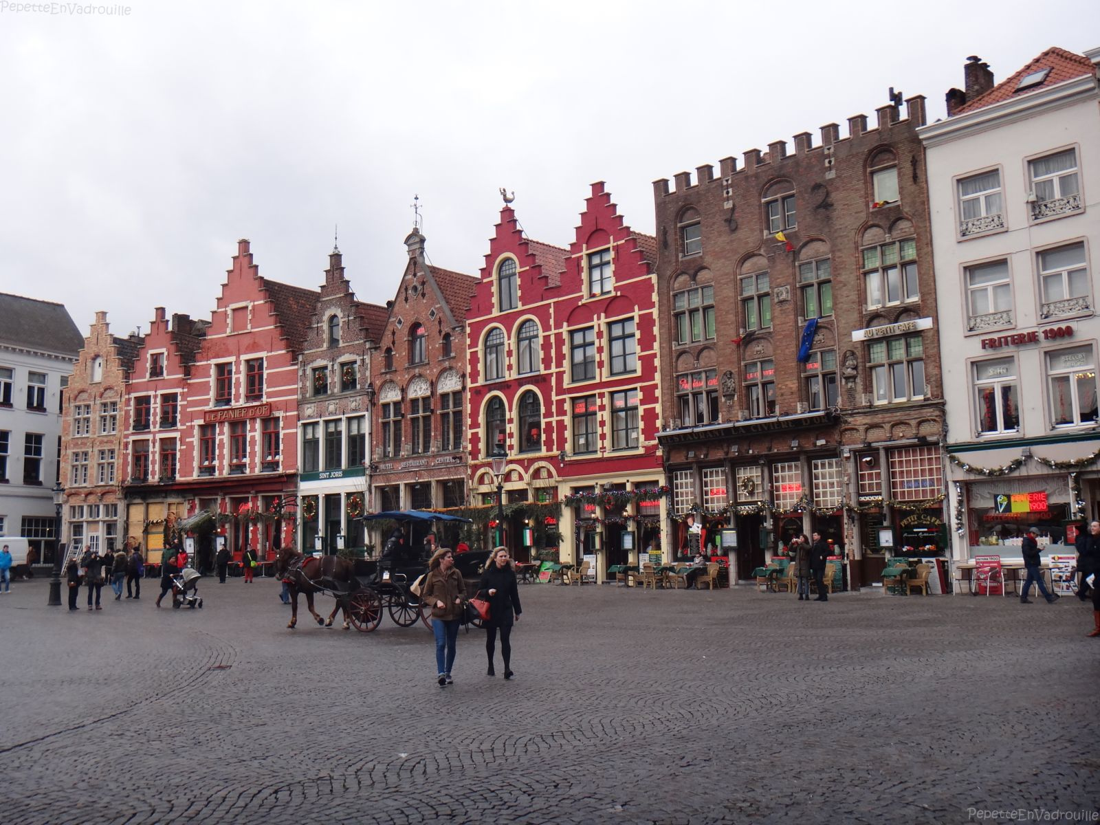 Une journ    e      Bruges   PepetteEnVadrouille Place Market