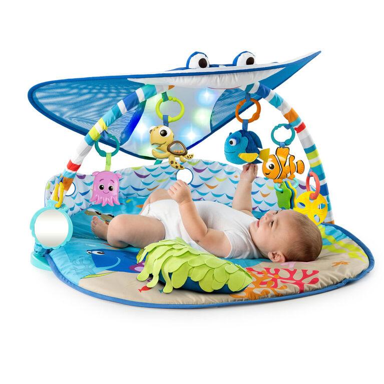 le tapis d eveil d un bebe de 6 mois