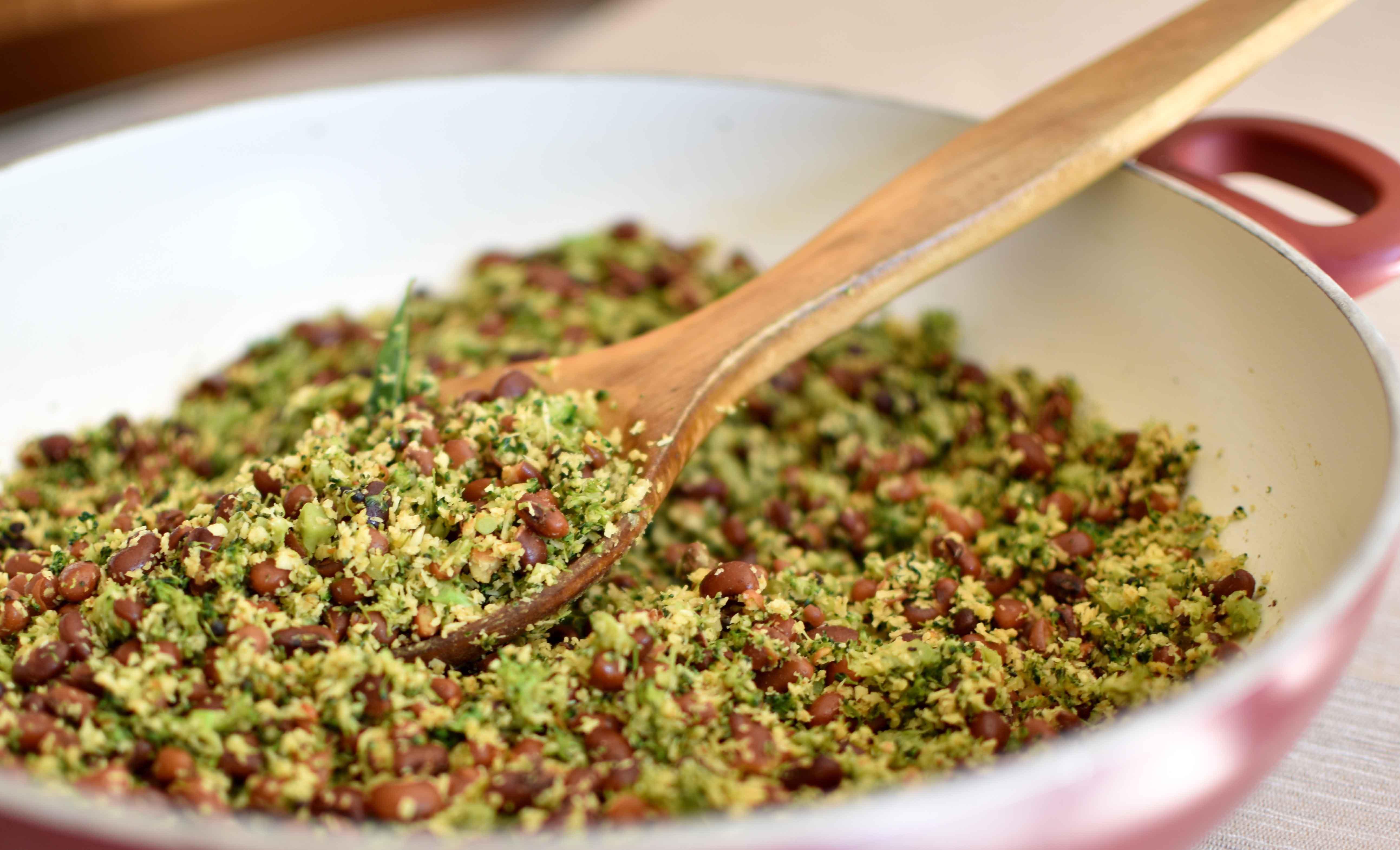 Broccoli with Red Cowpeas - Pepper Delight #recipe