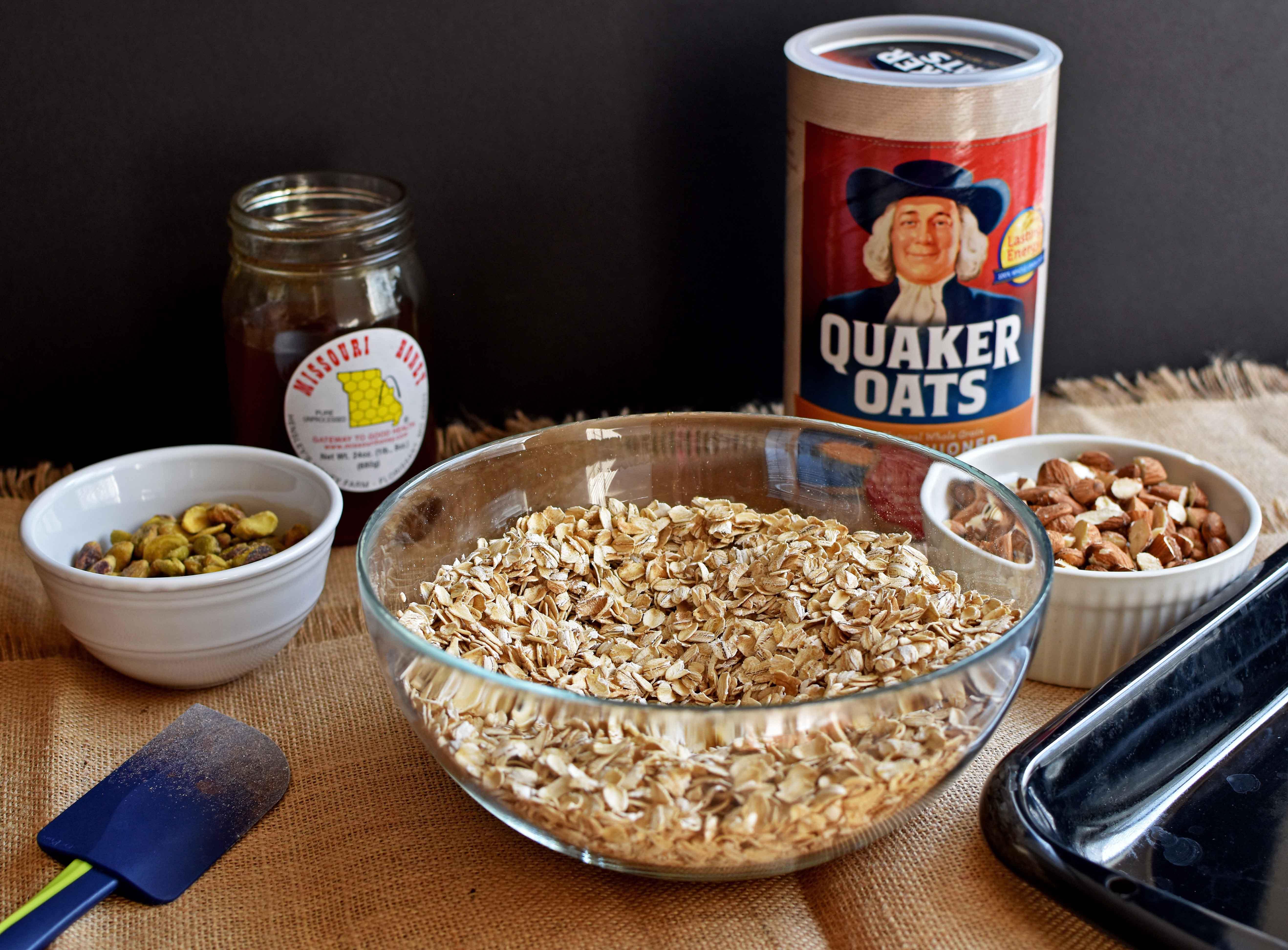 Granola - Pepper Delight #pepperdelightblog #recipe #granola #snack #breakfast