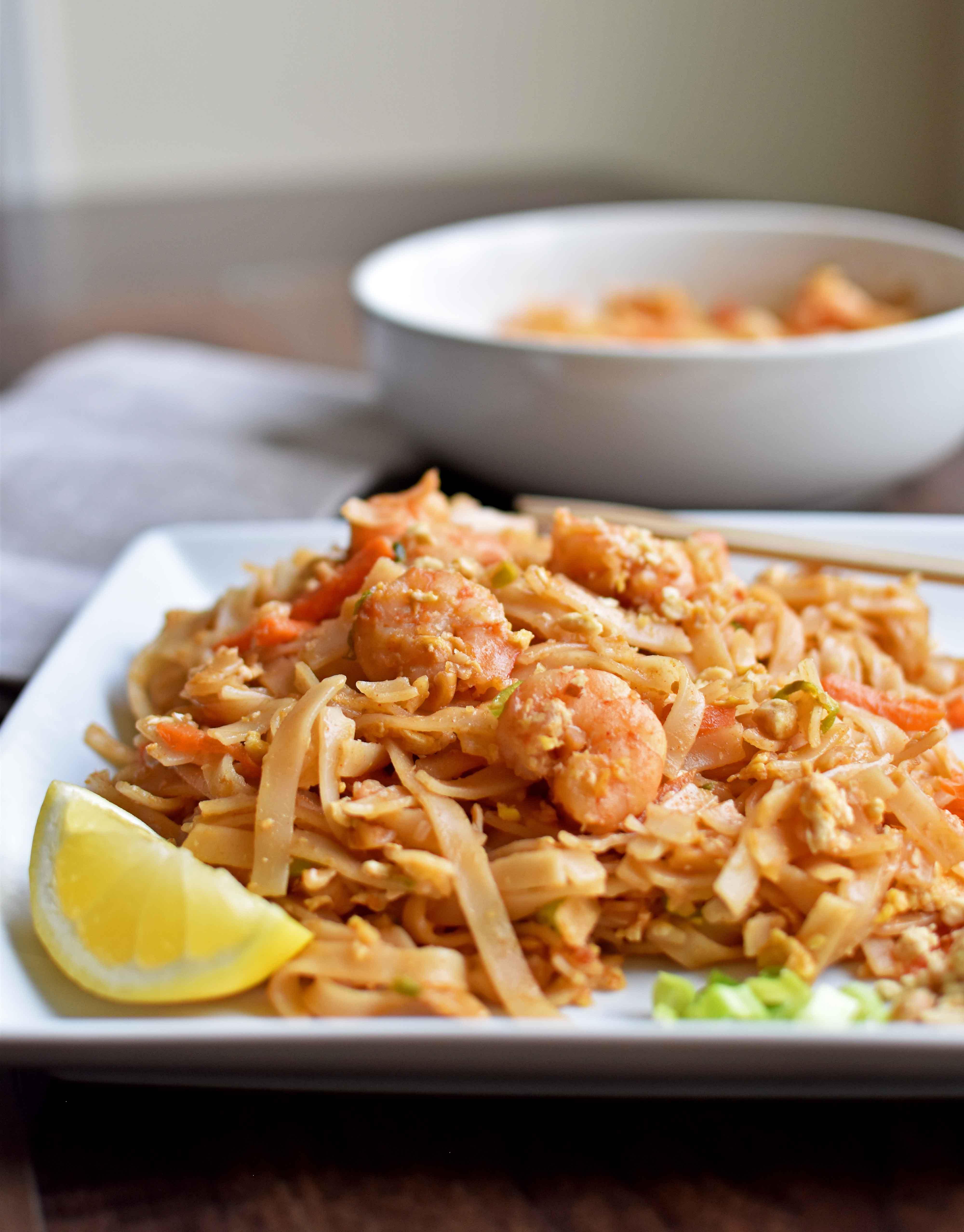 Pad thai with Shrimp - Pepper Delight #pepperdelightblog #recipe #thai #padthai #shrimp #thairecipes